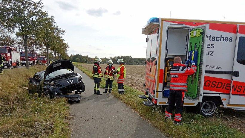 Auto überschlägt sich – Fahrerin aus Hohenhameln in Klinik